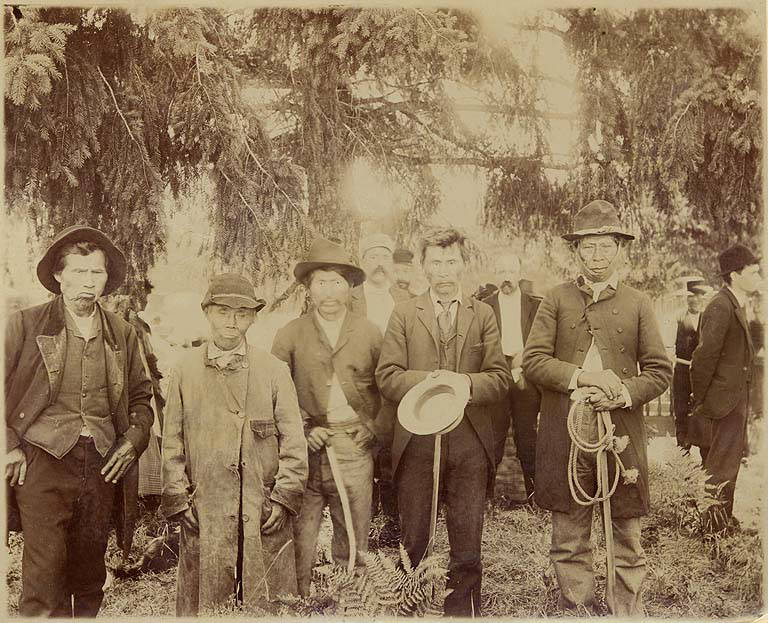 Nisqually_men_named_Bill_Quiemuth_Luke_George_Leschi__Yelm_Jim_Washington_ca1899