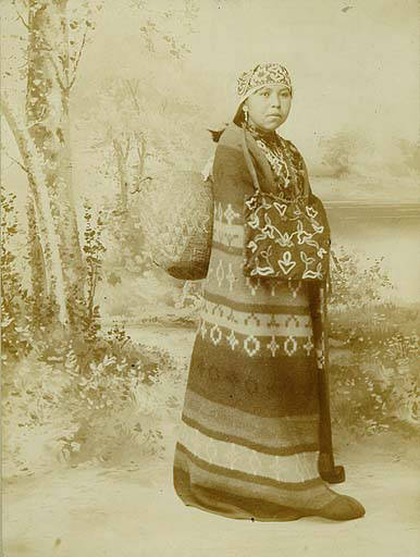 Puyallup_woman_named_Minnie_Richards_Washington_1899 (1)