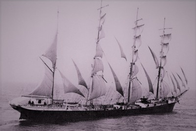 Olivebank under sail