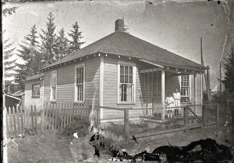 wood house j